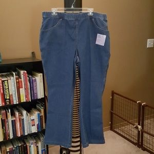 NWT PLUS SIZE WOMEN'S 2X jeans